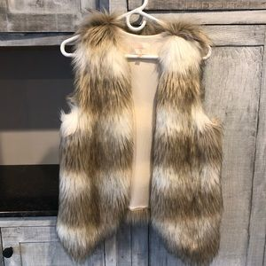 Skies Are Blue Buster faux fur vest